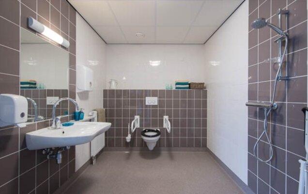 Badkamer En Toilet : Badkamer en toilet aedes actiz kenniscentrum wonen zorg
